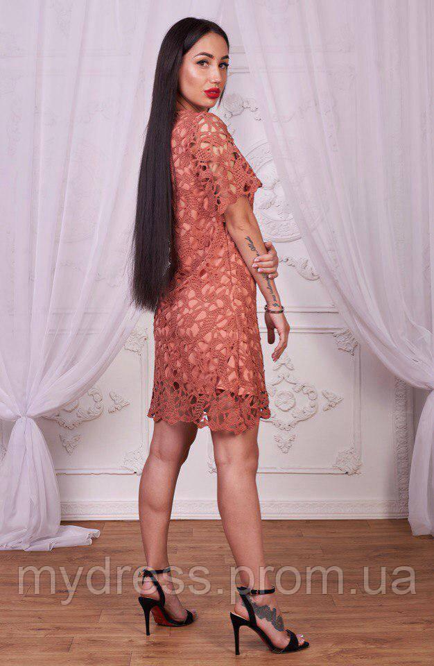 Платье-футляр их хлопкового кружева 716