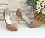 Жіночі туфлі на шпильці, бежевий нубук, фото 2