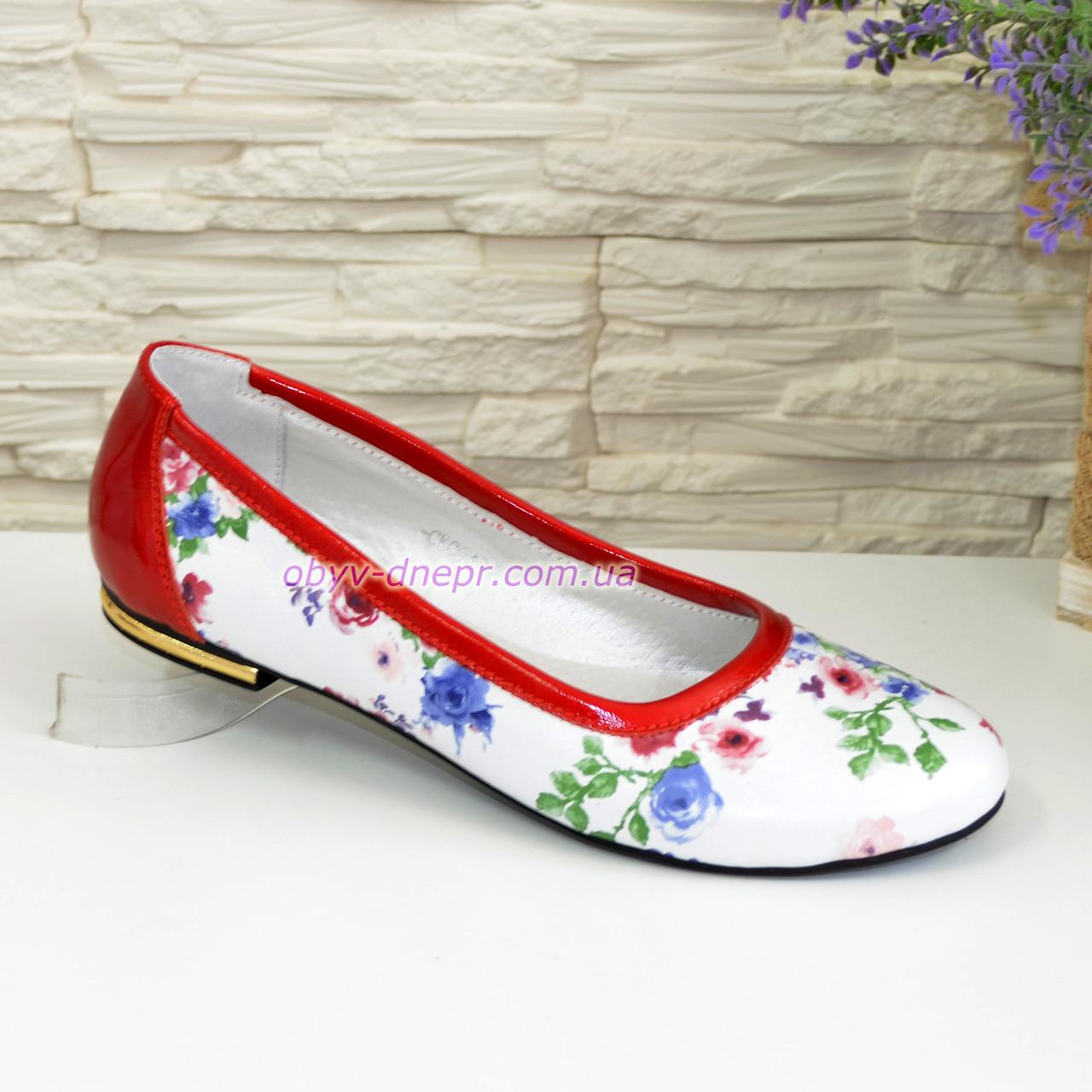 Женские кожаные стильные туфли, цвет красный/цветы, фото 1