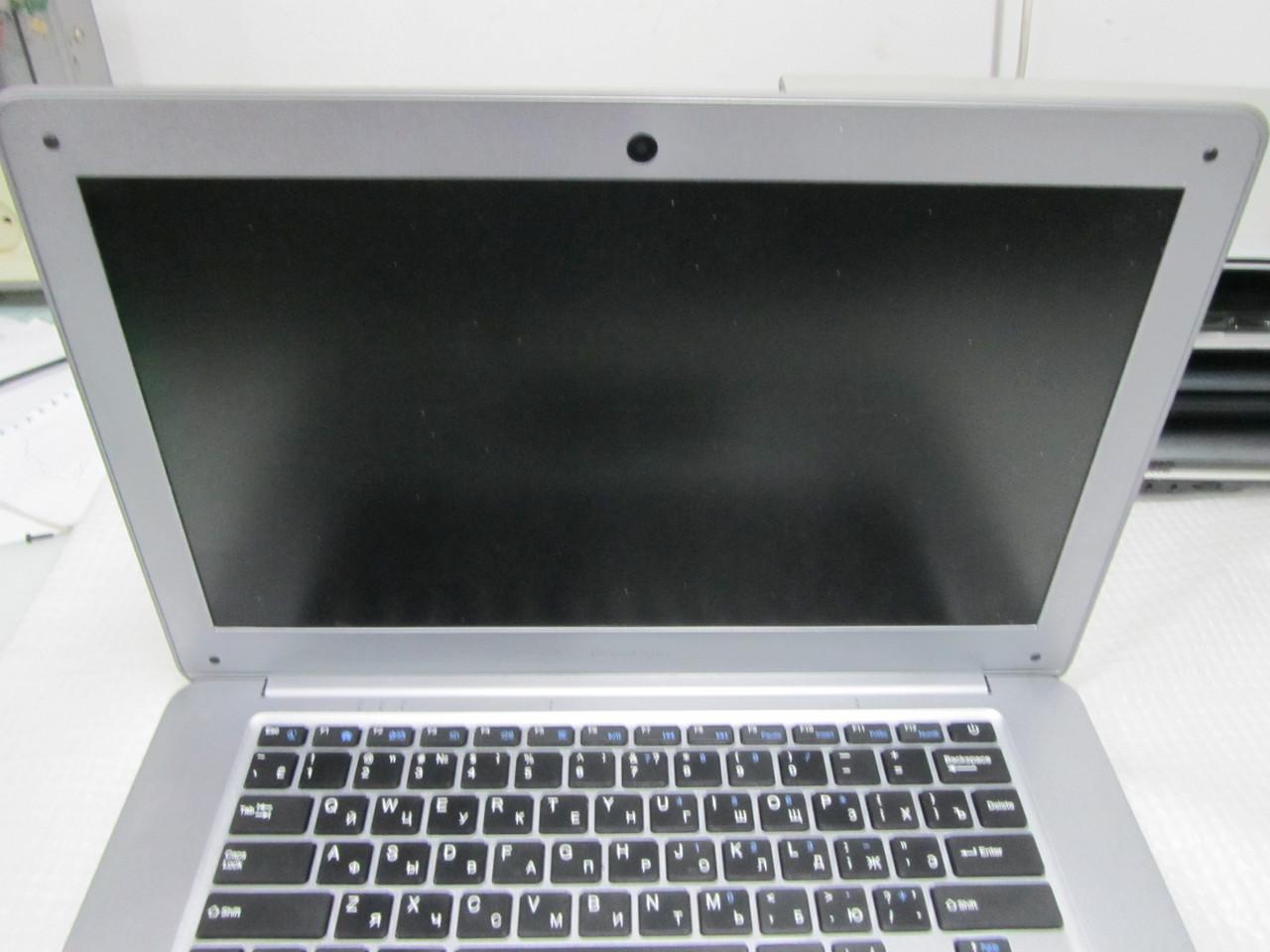 Четырехъядерный ноутбук Prestigio Smartbook 141A