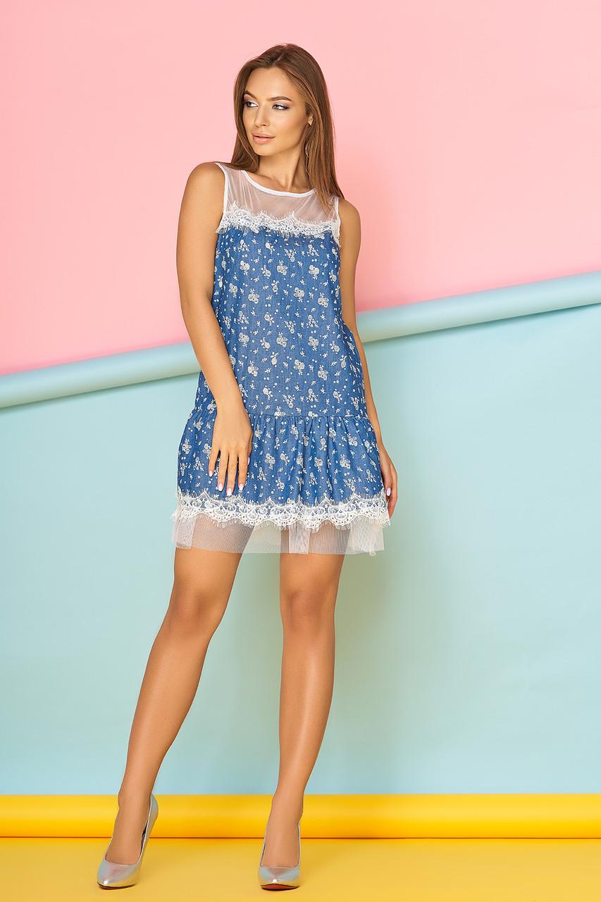 Легкое платье мини низ рюши полуоблегающее фатин синее с цветами