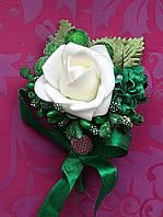 Бутоньерка  Зеленая Роза
