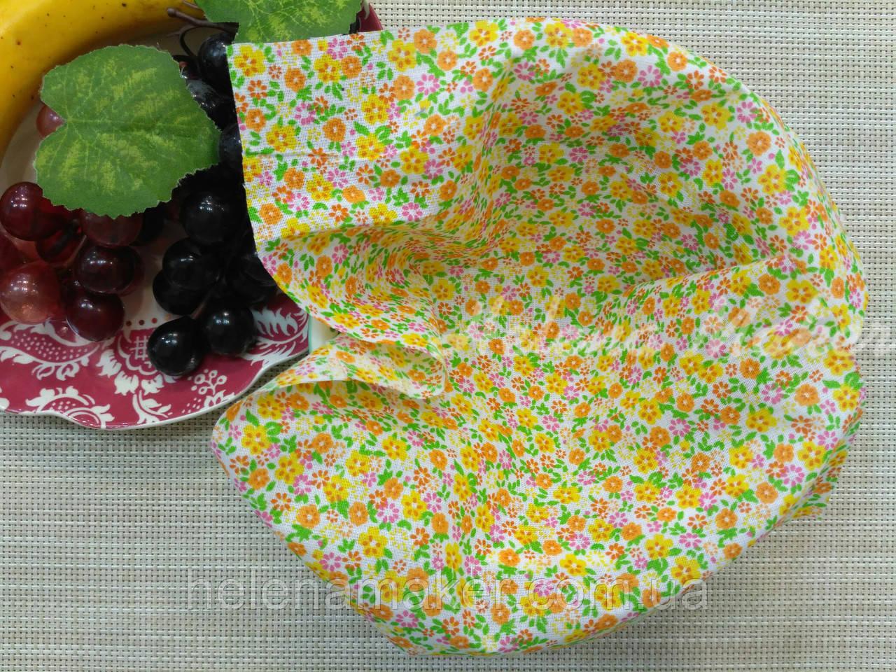 Небольшой отрез ситца для рукоделия Желтые и оранжевые цветы  20*25 см