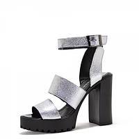 Женские босоножки на каблуке. серебро, фото 1
