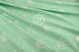 """Ткань хлопковая """"Нарисованные короны"""" белые на салатовом (№1327а), фото 4"""