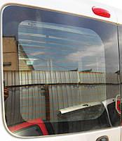 Стекло задней двери дверей на Opel Vivaro 2001-2014гг