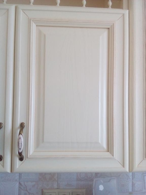 верхний шкафчик с парапетом - фасады ясень Drewpol