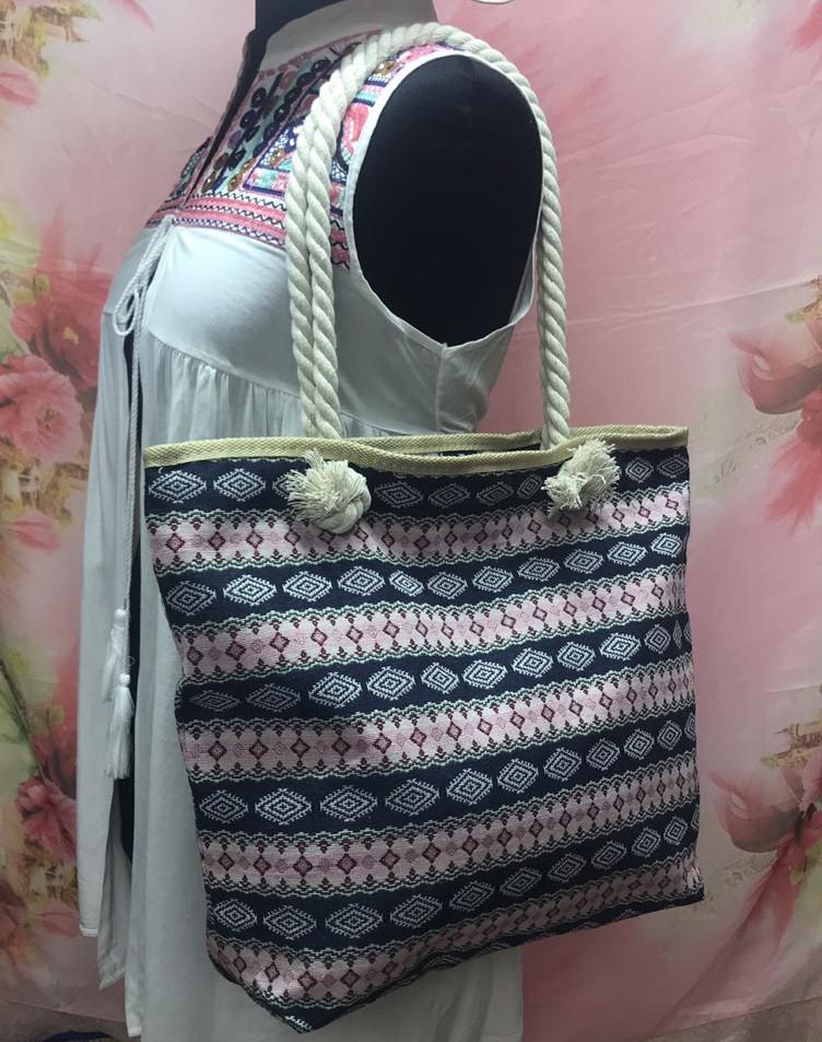 Городская женская сумка через плечо с интересным этническим принтом