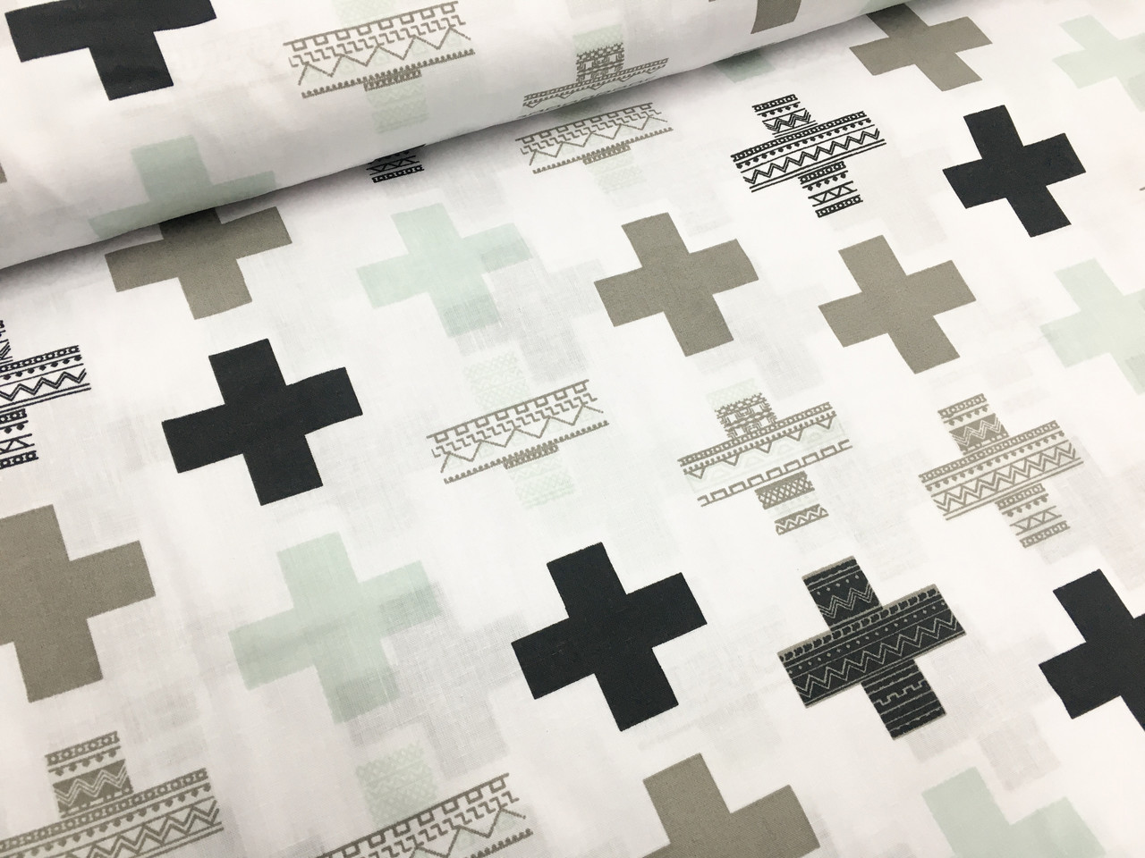 """Польская хлопковая ткань """"плюсики черно-мятные на белом"""""""