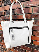 Женская сумка молочного цвета стильная
