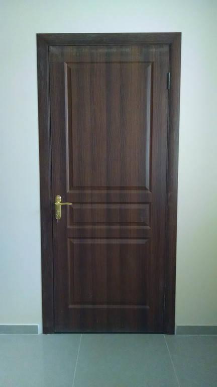 Установка двери Барселона Орех Совиньен