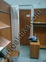 Перегородка в магазин одежды. Мебель для магазина одежды в ТЦ