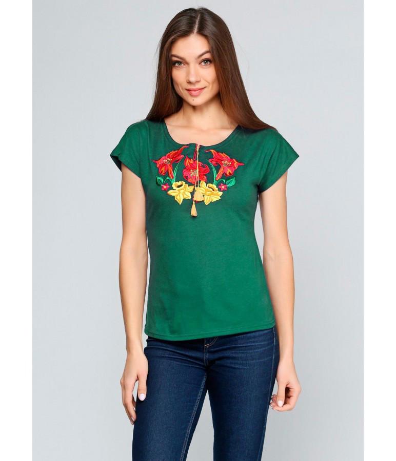 Вишиванка жіноча. Вишита Футболка. Жіночі футболки в українському стилі.