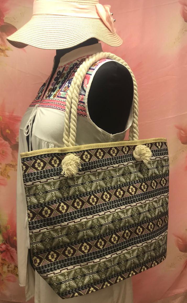 Пляжная женская сумка с интересным этническим узором