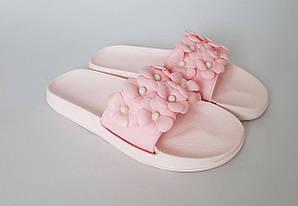 Женские шлепки розового цвета