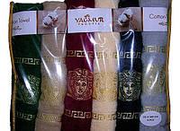 Полотенца с вышивкой версаче