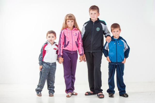 Одежда спортивная детская