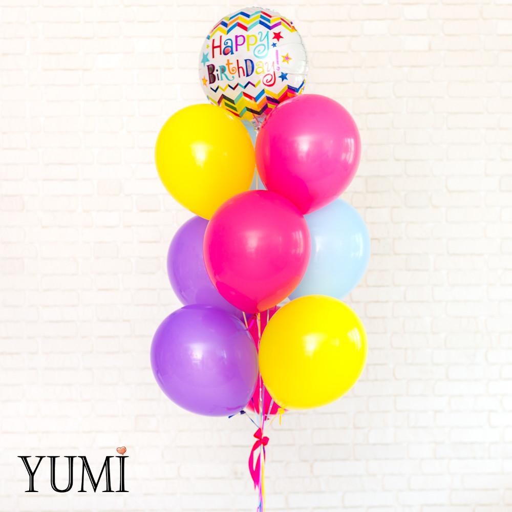 Яркая связка из воздушных шаров на детский праздник
