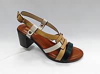 Открытые  босоножки на устойчивом каблуке., фото 1