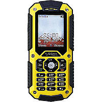 Водонепроницаемый кнопочный телефон на 2 сим карты с 3G Sigma X-treme PQ67 жёлтый