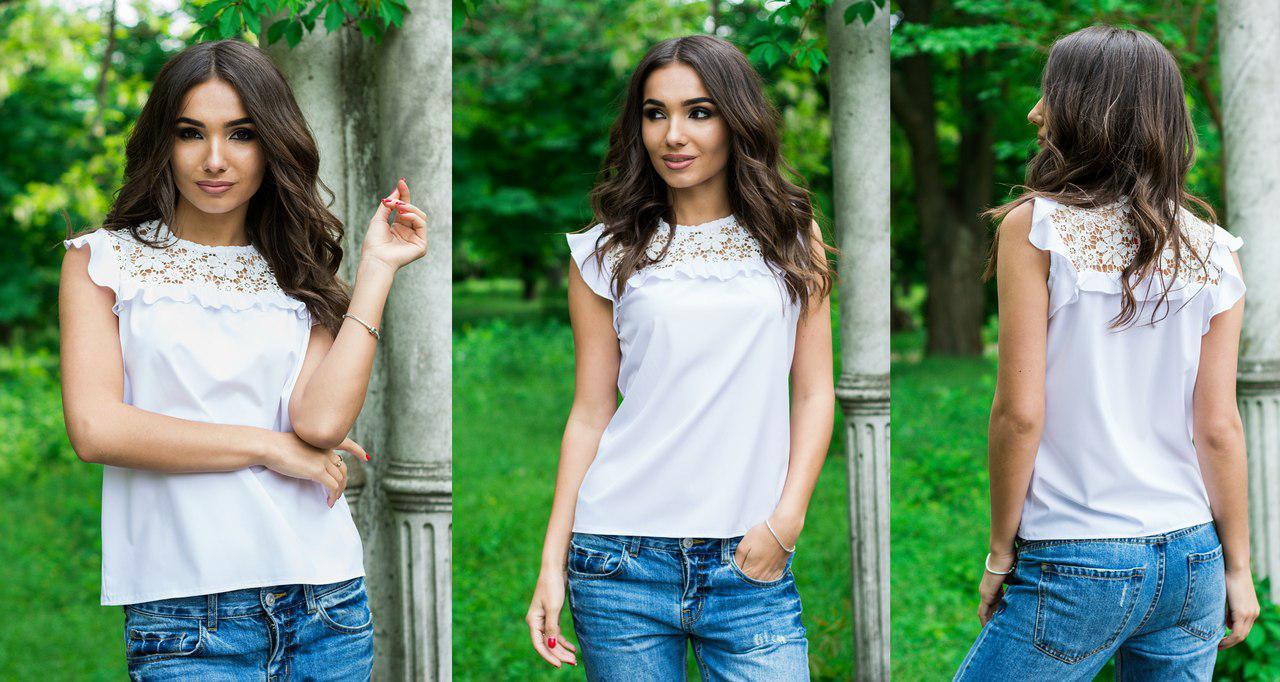 ed5330453ce Белая нежная женская летняя блузка-безрукавка с белыми кружевными вставками  на плечах . Арт-
