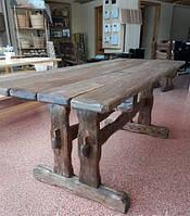 Деревянный стол (Прага)