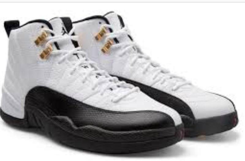Баскетбольні кросівки Nike Air Jordan 12 Retro White Black - Nueva Era   Нова Ера  ee2e2db6ad60d