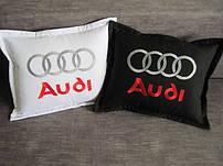Декоративные подушки с логотипами