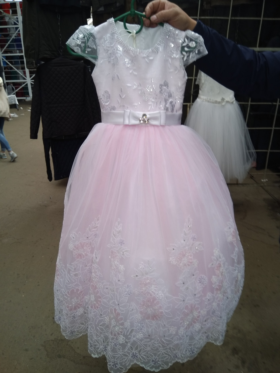Детское нарядное бальное платье для девочек на 7-10 лет.