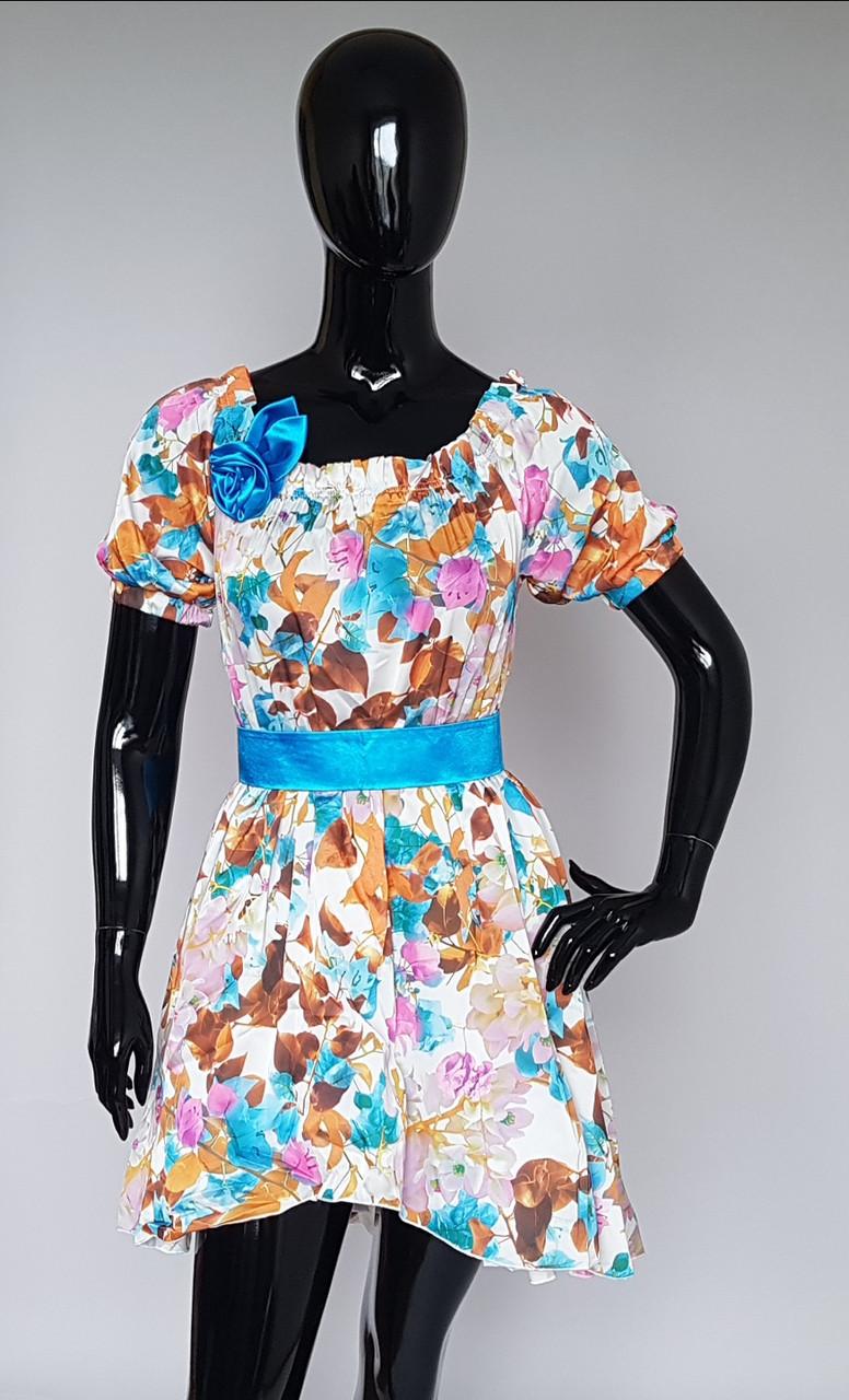 Шикарное платье для девочки украшенное розой