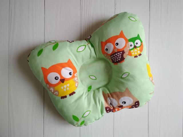 Подушка для новорожденных Совушки оливкового цвета