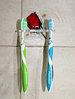 Пластиковый держатель для зубных щеток и пасты