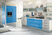 бело-голубая акриловая кухня фото 54