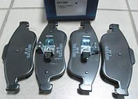 Комплект передних тормозных колодок на Рено Дастер, Дачиа Дастер 4х4/ HI-Q SP1390