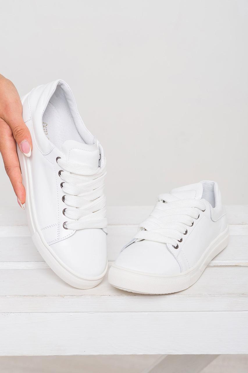 Женские кеды из натуральной кожи однотонные на шнуровке