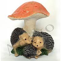 Садовая фигура Ежик Семья под грибом