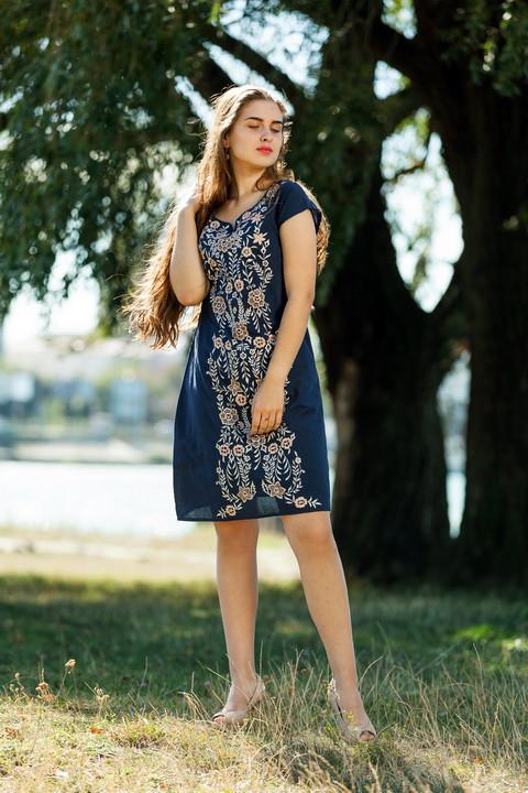 Т.синее платье с вышитыми цветами и короткими рукавами из натурального хлопка, М,Л,ХЛ,ХХЛ