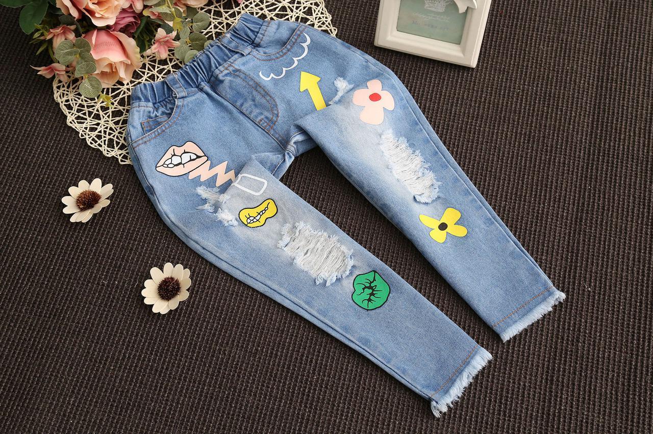 Голубые джинсы с цветочками для девочки