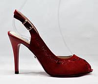 Босоножки женские из натуральной замшы, красные, каблук - 10 см. Размеры 37 - стелька 24 см. Lino Marano.