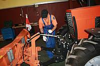 Проведение технического обслуживания тракторов