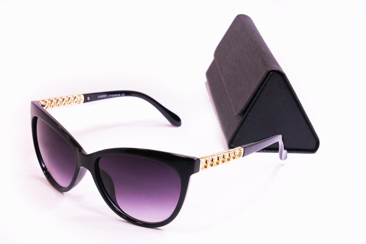 Солнцезащитные женские очки с футляром F8118-2