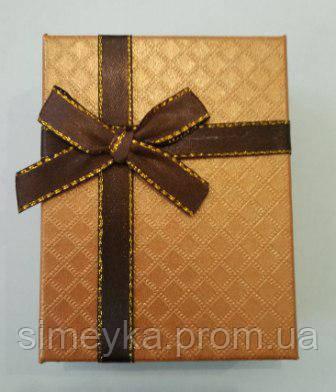 Коробочка подарункова з коричневим бантиком 7 см * 9 см.