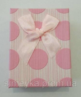 Коробочка подарункова в горохи з рожевим бантиком 7 см * 9 см.