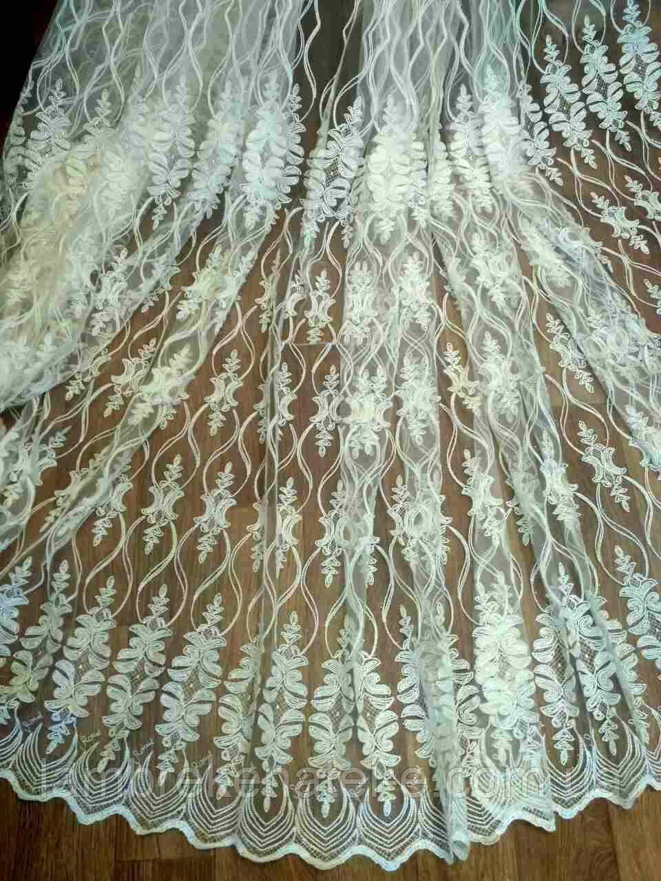 Тюль фатиновая с кордовой вышивкой для зала Барселона