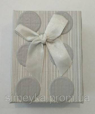 Коробочка подарункова в горохи з сірим бантиком 7 см * 9 см.