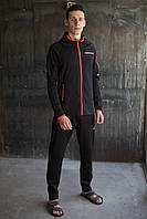Мужской спортивный костюм Adidas.