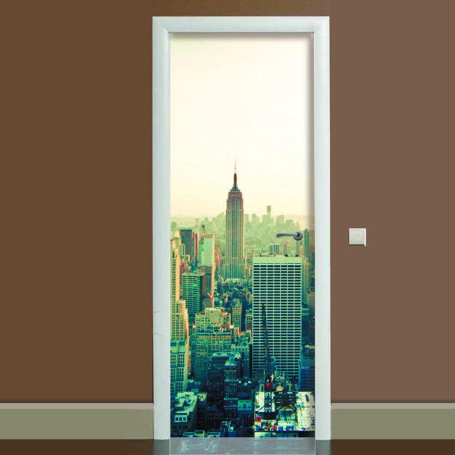 Наклейка на дверь Город, (полноцветная фотопечать, пленка для двери)