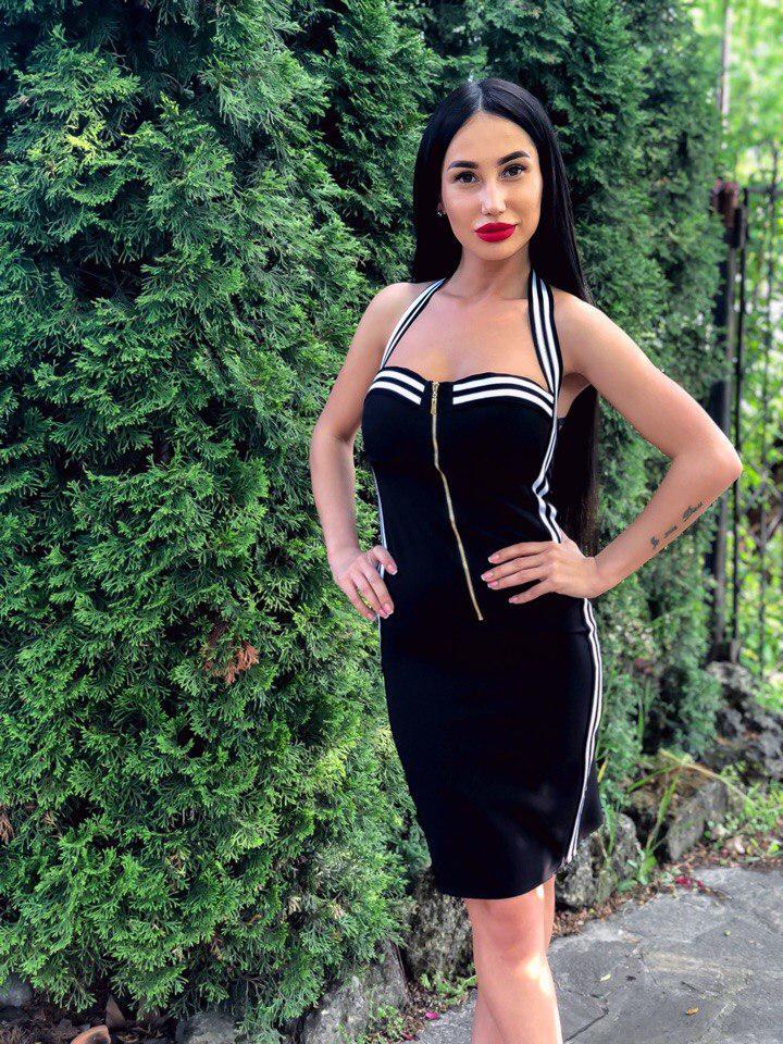 b987082aec2 Модное платье в стиле спорт-шик - Интернет-магазин
