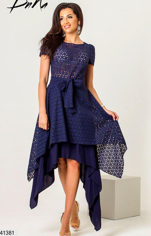 Летнее платье асимметрия полуприталенное под пояс темно синее