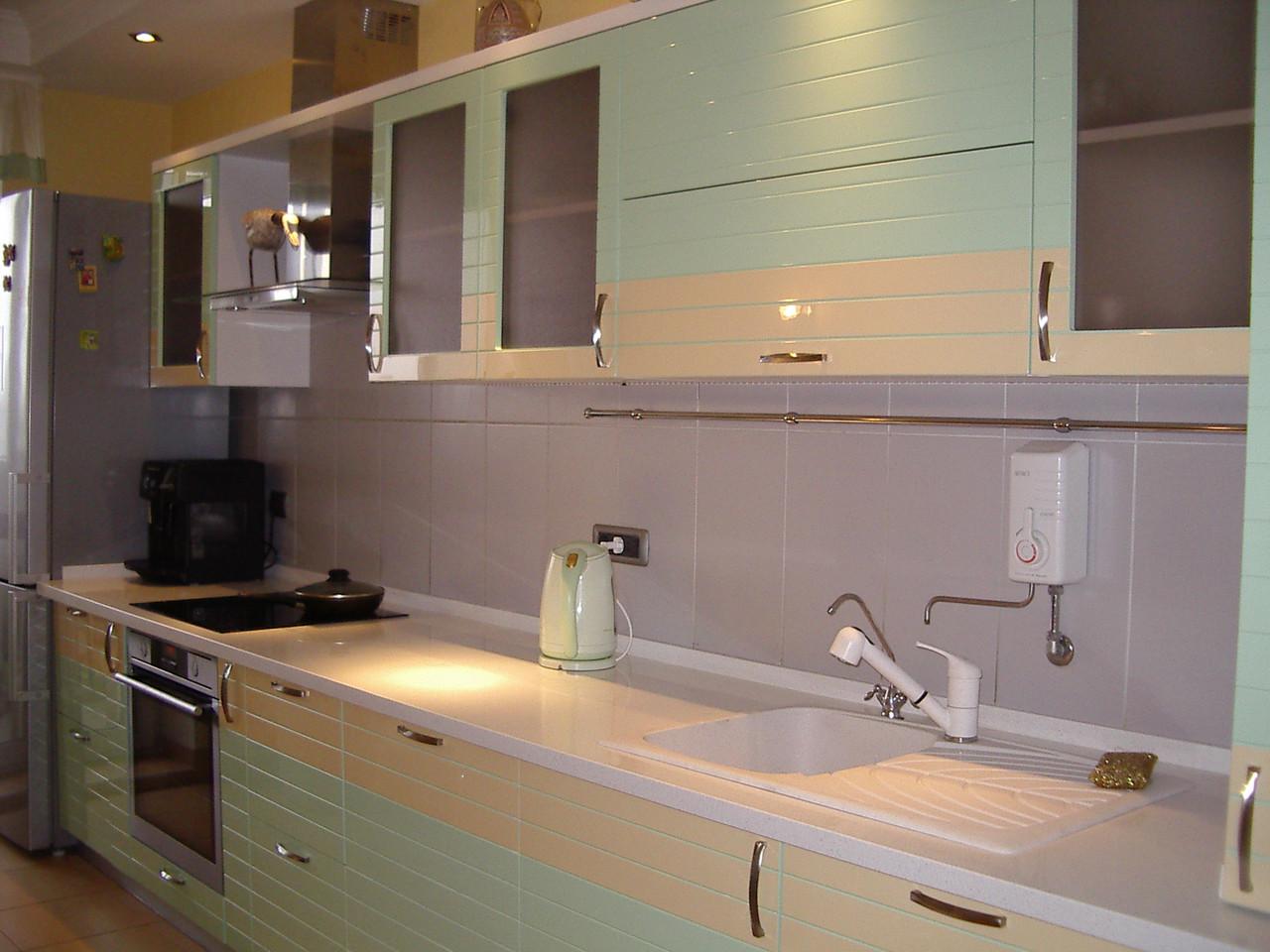 Кухонная мебель на заказ, кухни с крашенным МДФ Киев, Борисполь